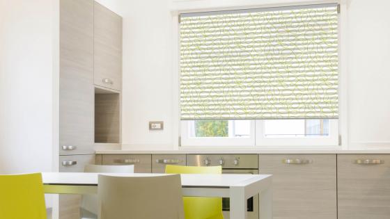 plissee gemustert plissees in sch nen musterfarben f r dein zuhause sonevo. Black Bedroom Furniture Sets. Home Design Ideas