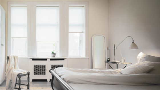 dein individuell angepasstes plissee nach ma f r dein schlafzimmer sonevo. Black Bedroom Furniture Sets. Home Design Ideas
